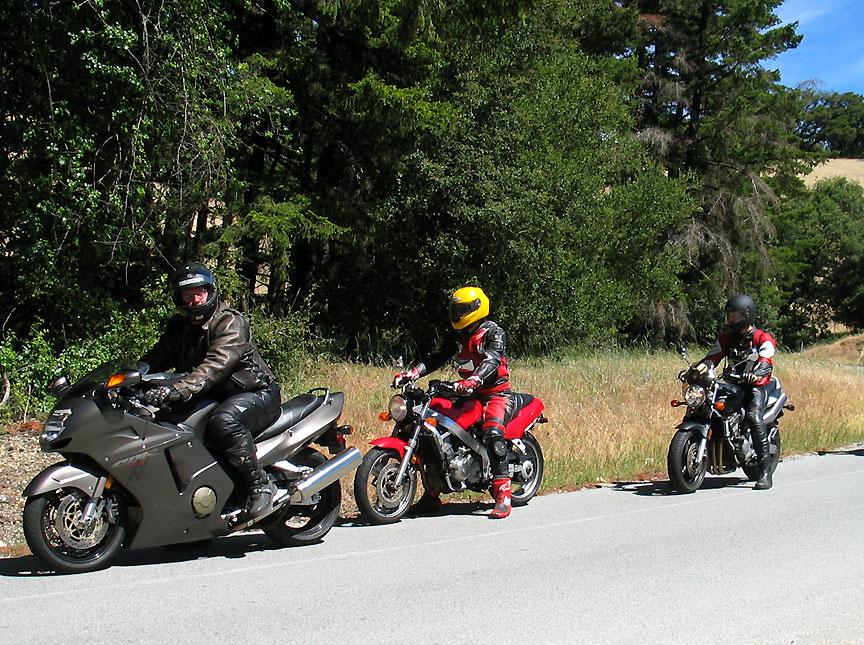 Honda CBR1100 '02 Blackbird Review   South Bay Riders