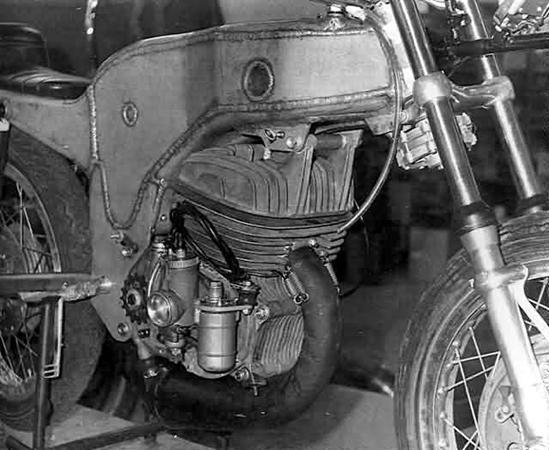 Monocasco MRD Ossa 50 cc. Attachment