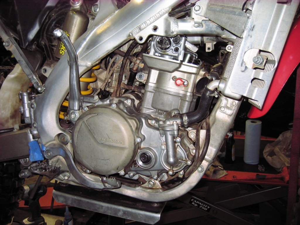 Crf450x top end rebuild south bay riders for Motor oil out of clothes