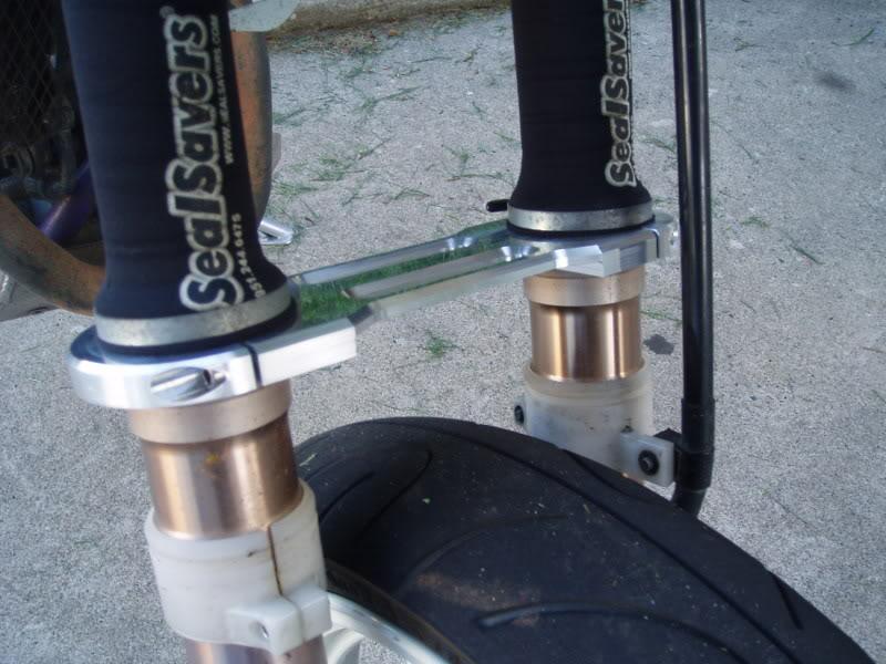 Suzuki DR650 Fork Brace