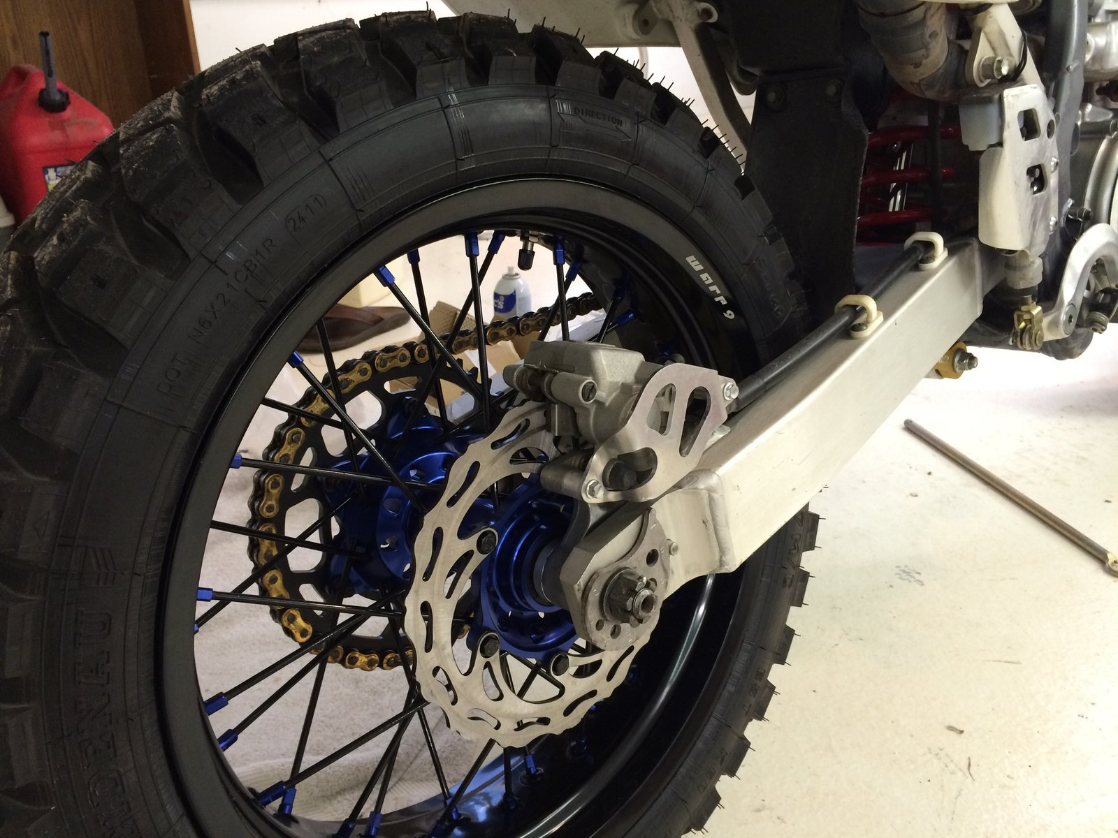 The Drz400e Canyon Carver Is Born South Bay Riders