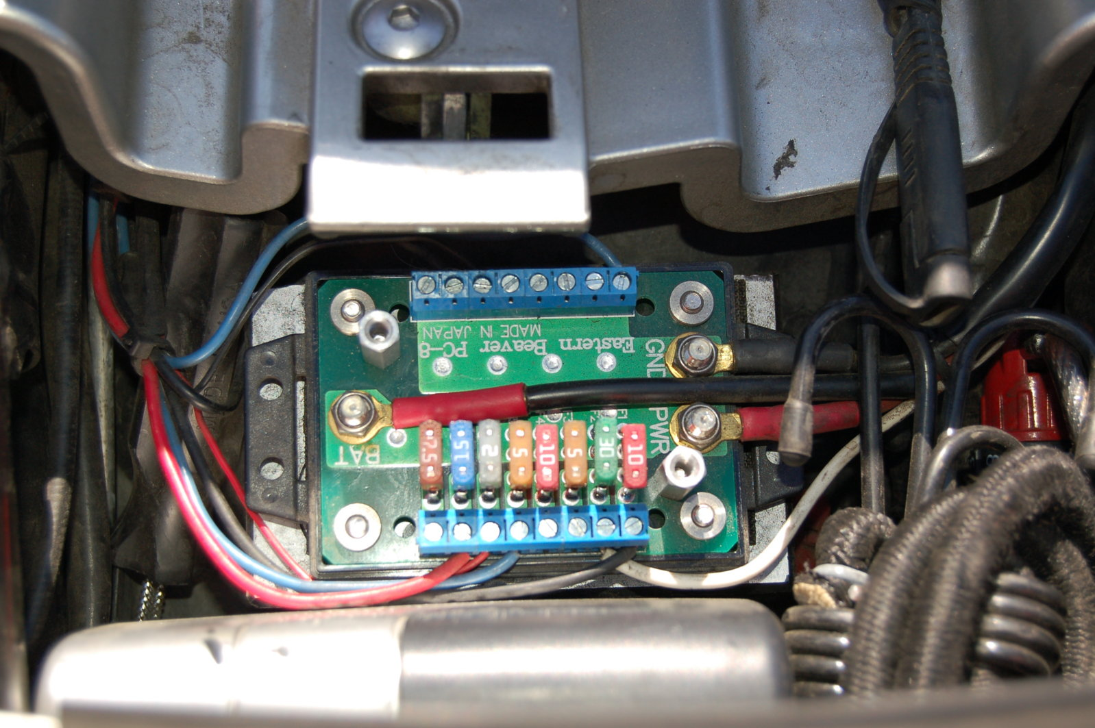 My Fuse Box Got Wet : Wiring auxiliary items so i don t kill battery south bay