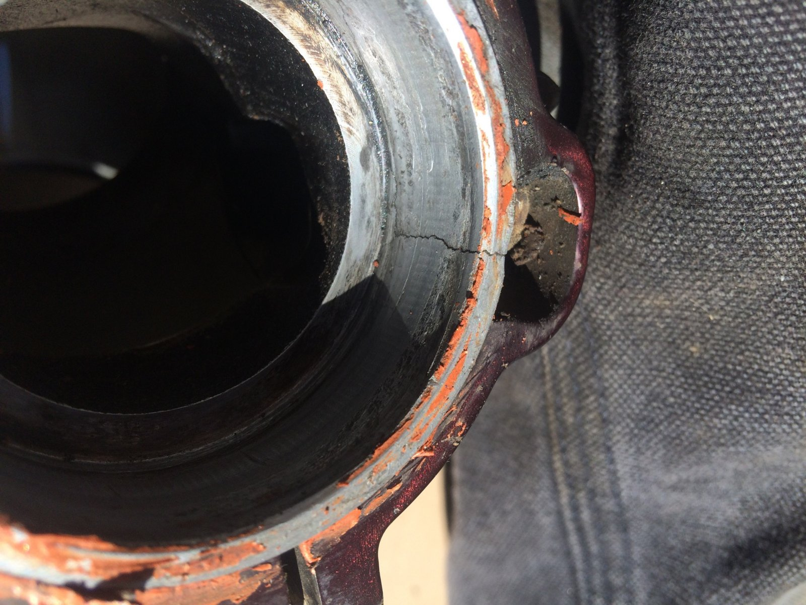 Crack in 2T exhaust manifold - 2009 KTM 300XC | South Bay Riders